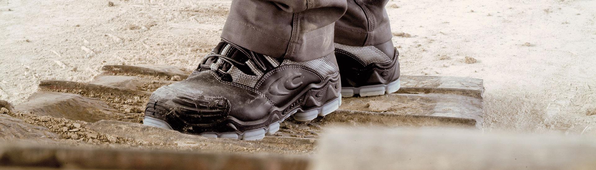 slip resistant safety footwear